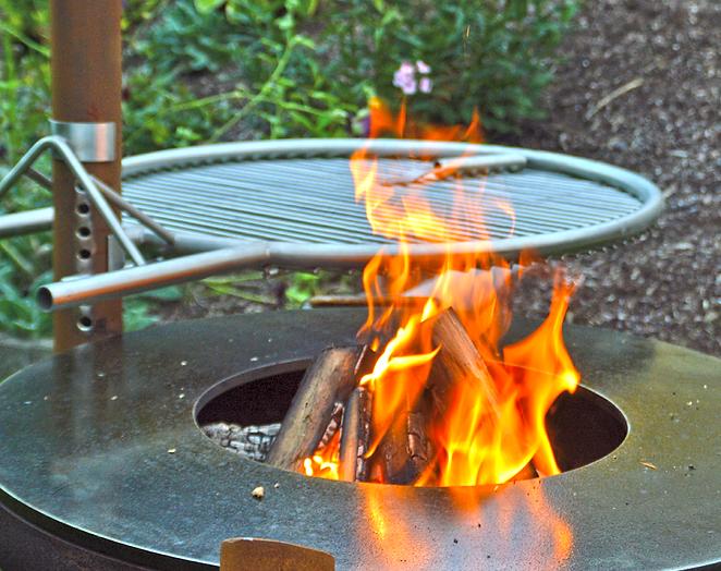 Grillring mit Feuerschale von Andreas Weilnau