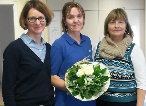 Christine Lieber und Helene Zaitler von der Diakoniestation Brechen bei der Verabschiedung von Halina Bomba (Mitte) in ihren wohlverdienten Ruhestand.