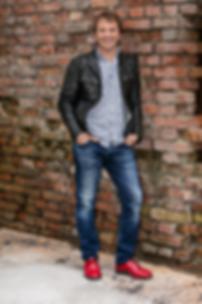 Heinrich del Core spielt in Aarbergen-Panrod im November 2018