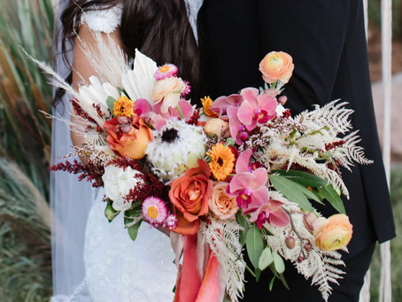 10 ways you can save money on your flowers without sacrificing your wedding vision