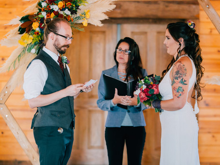10 tips on officiating a wedding ceremony successfully!