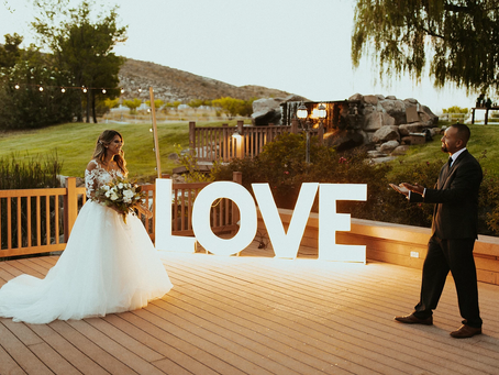 Is a Wedding Website Worth the Time?