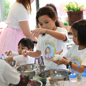 Girls making Slime at a Slime Princess Party