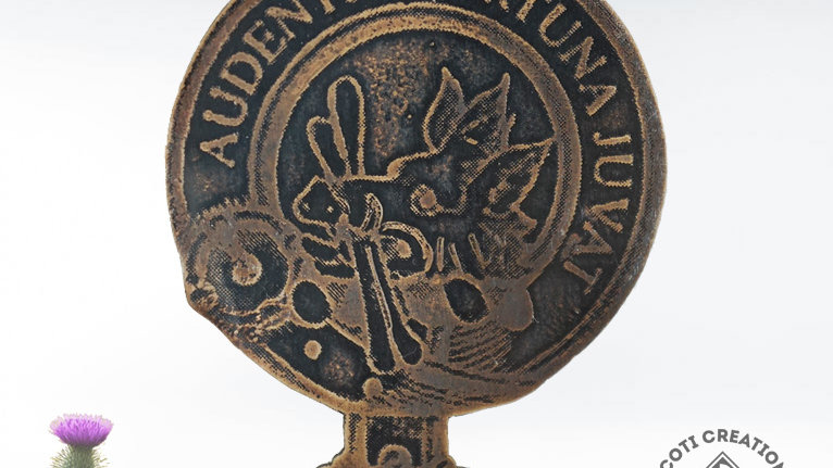 Clan MacKinnon Badge