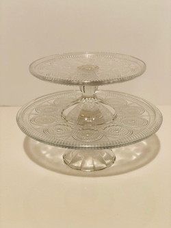 glass cupcakes stands