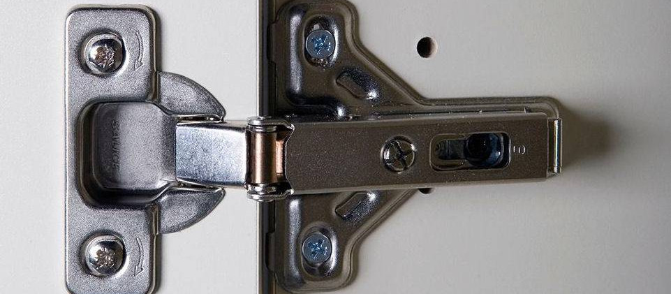 HEAVY DUTY CONCEALED DEMOUNTABLE AND ADJUSTABLE HINGES