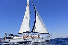 yoga and sail yacht und crew.jpg