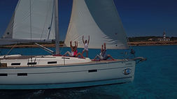 Yoga-and-sail  Yoga Schiff.JPG