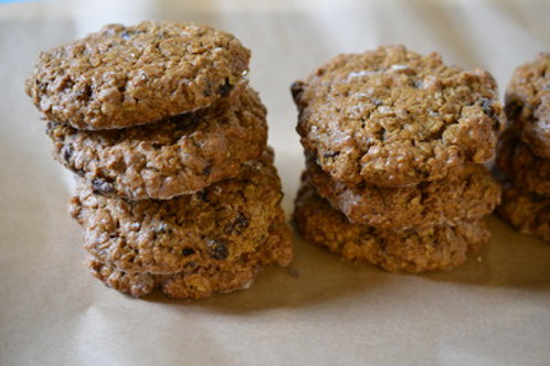 Oatmeal Raisin (two big cookies)