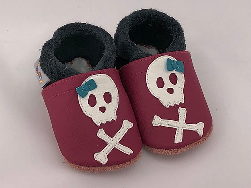 Kinderlederschuh Modell Totenkopf Mädchen