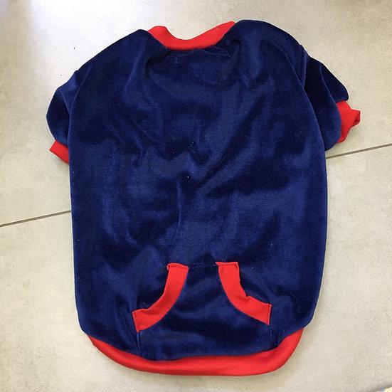 Blusa de Plush Azul e Vermelho