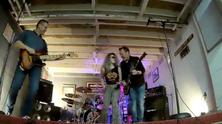 Platinum Thrill Rockhunt 2021 air guitar.png