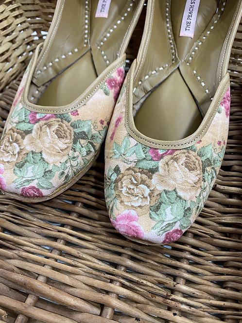 Juliet - Floral Print Jutti