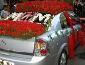 Car Decoration with Red Roses