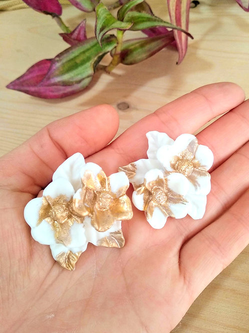 """Porcelain """"forget me not"""" flower studs with Gold 24K"""