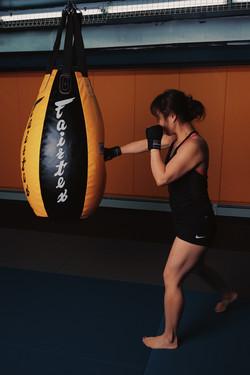 Cross - Muay Thai