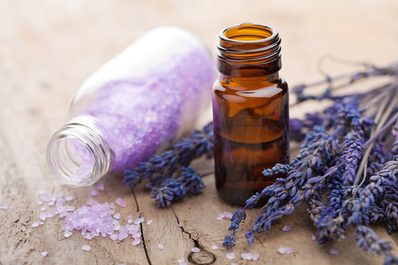 En Aura Healing's 7 Must-Have Essential Oils for Your Chakras