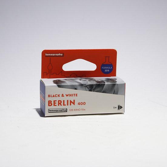 Berlin Kino B&W 120 ISO 400