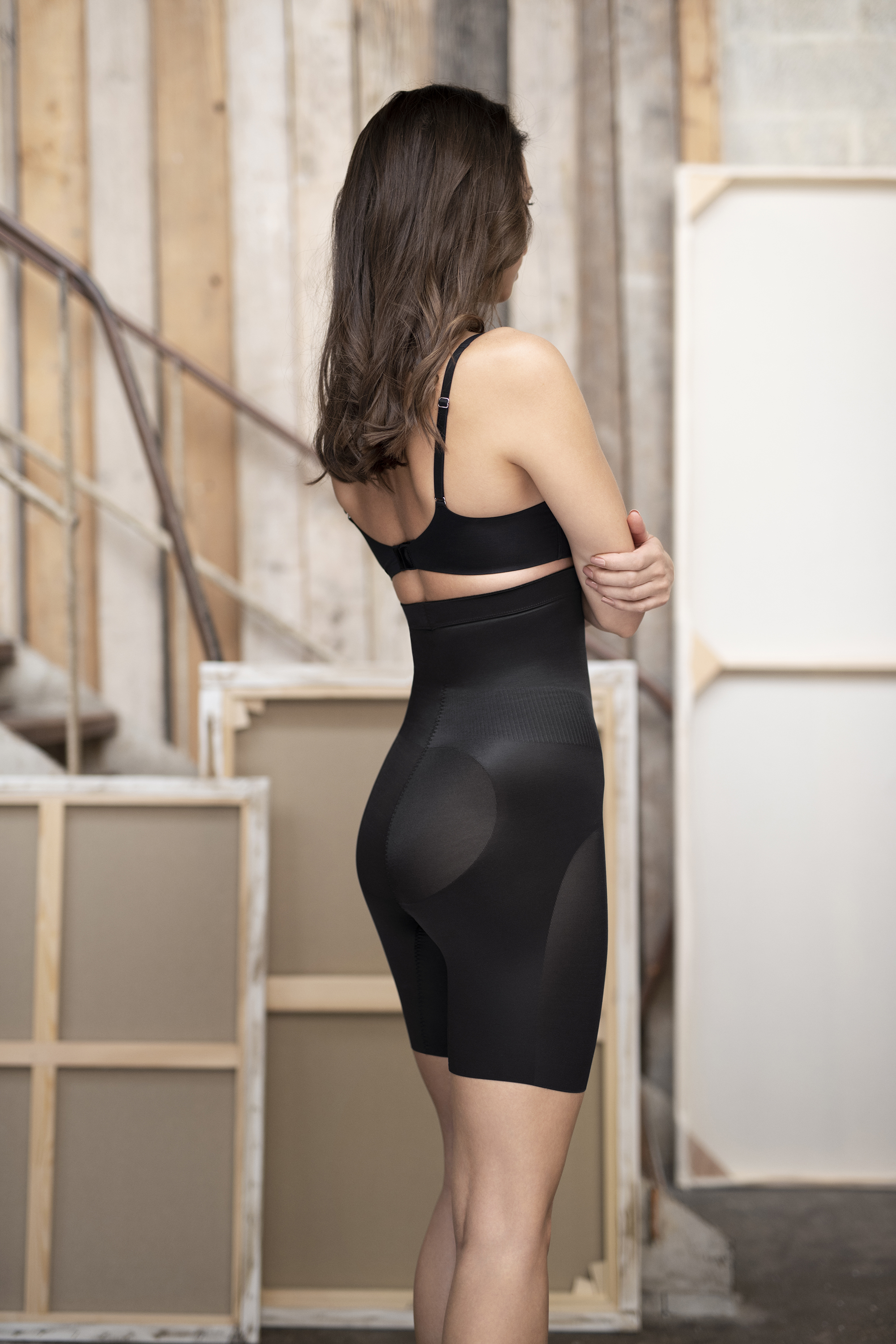 FIT-AND-LIFT shapewear