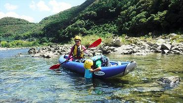 ダッキー=カヌー型ゴムボート.jpg