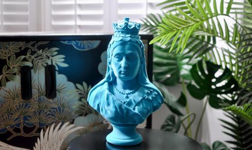 Teal Queen Victoria Statue 02JPG.JPG