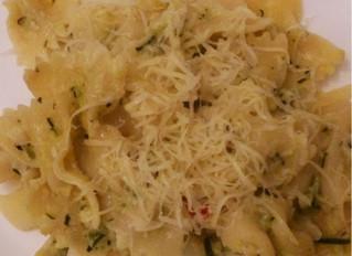 Courgette chilli pasta