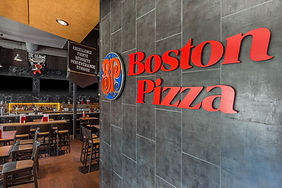 Boston Pizza restaurant - Hotel Universel Quebec