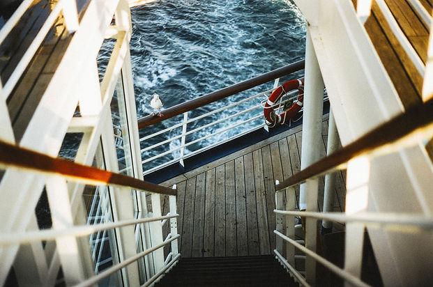 guardrail-405913.jpg