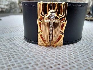 Bracelete escaravelho.jpg