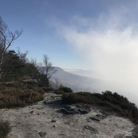 Mlhavé listopadové údolí