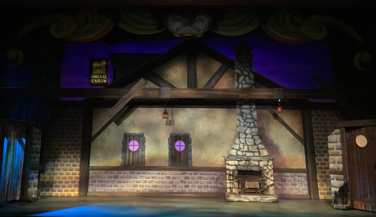 Treasure Island, Benbow Inn Transluceny