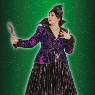 Lainey Shaw as the Wicked Queen in Snow White at Welwyn Garden West Campus this Christmas