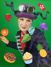 Leonie in Alice In Wonderland for Red Rose Chain Theatre, streamed 18 Dec - 3 Jan