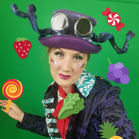 Leonie Spilsbury in Alice In Wonderland for Red Rose Chain