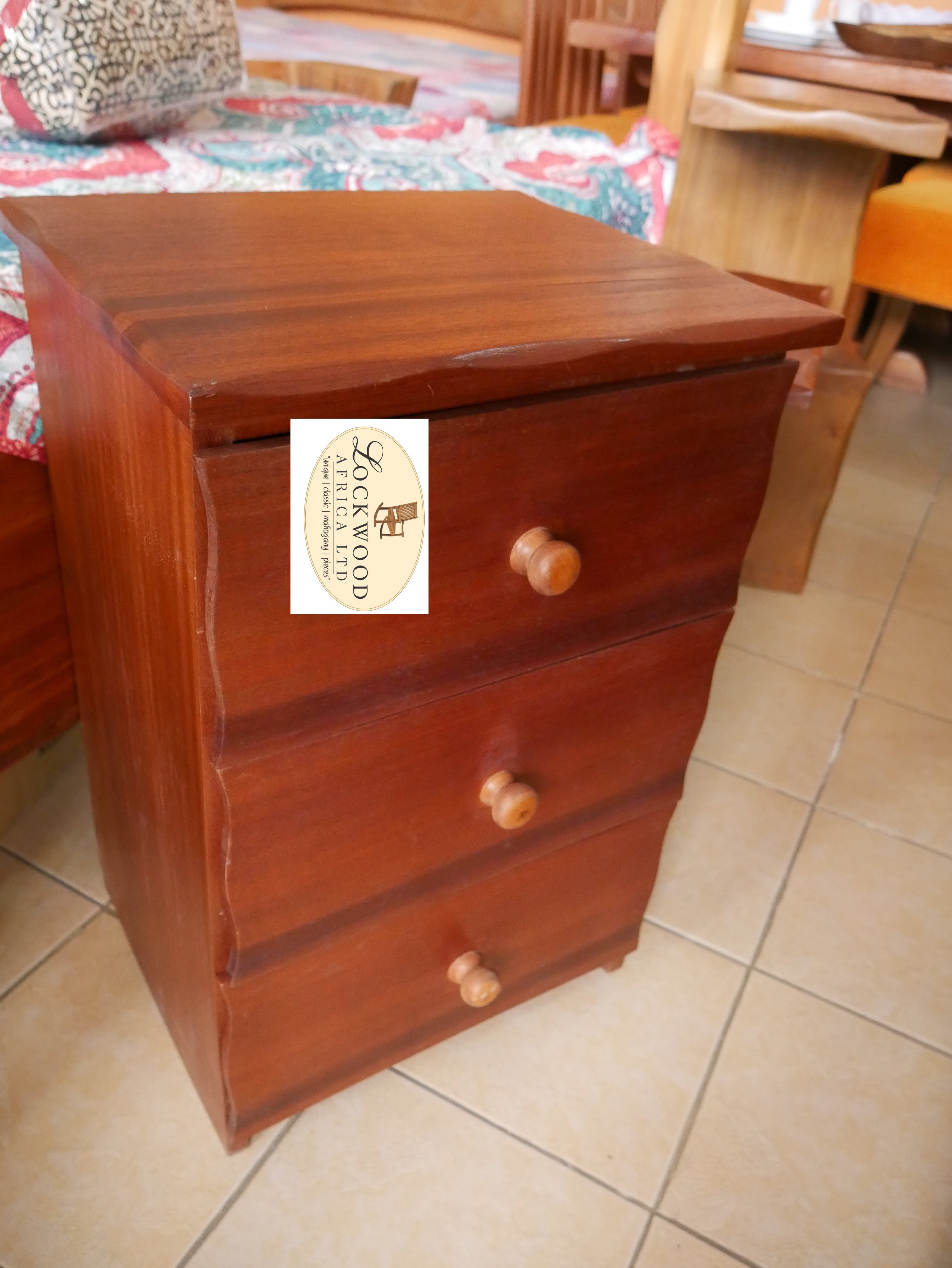 Chest of Drawers (Small)