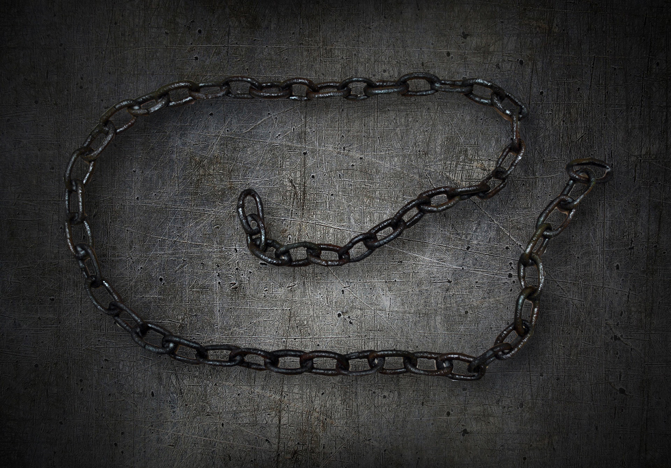 Movie Prop Large Rubber Rusty Chain