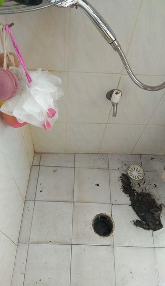 פתיחת סתימה קשה במקלחת
