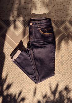 140320_Naomi_Hailey_Hybrid_Jeans.jpg