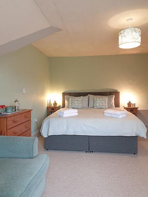 Bedroom 1 with En-suite.jpg