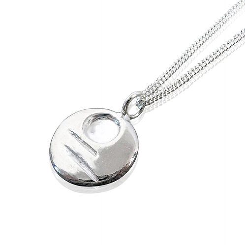 Peace: Ffawd pendant