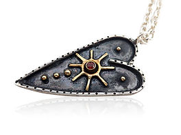 Niziblian Oxidised brave heart necklace.