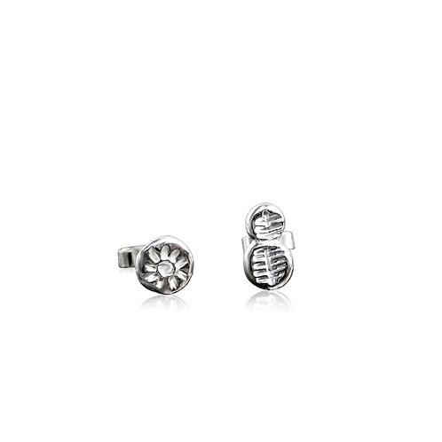 Light: Ffawd stud earrings