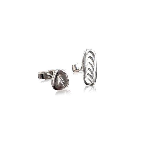 Courage: Ffawd stud earrings