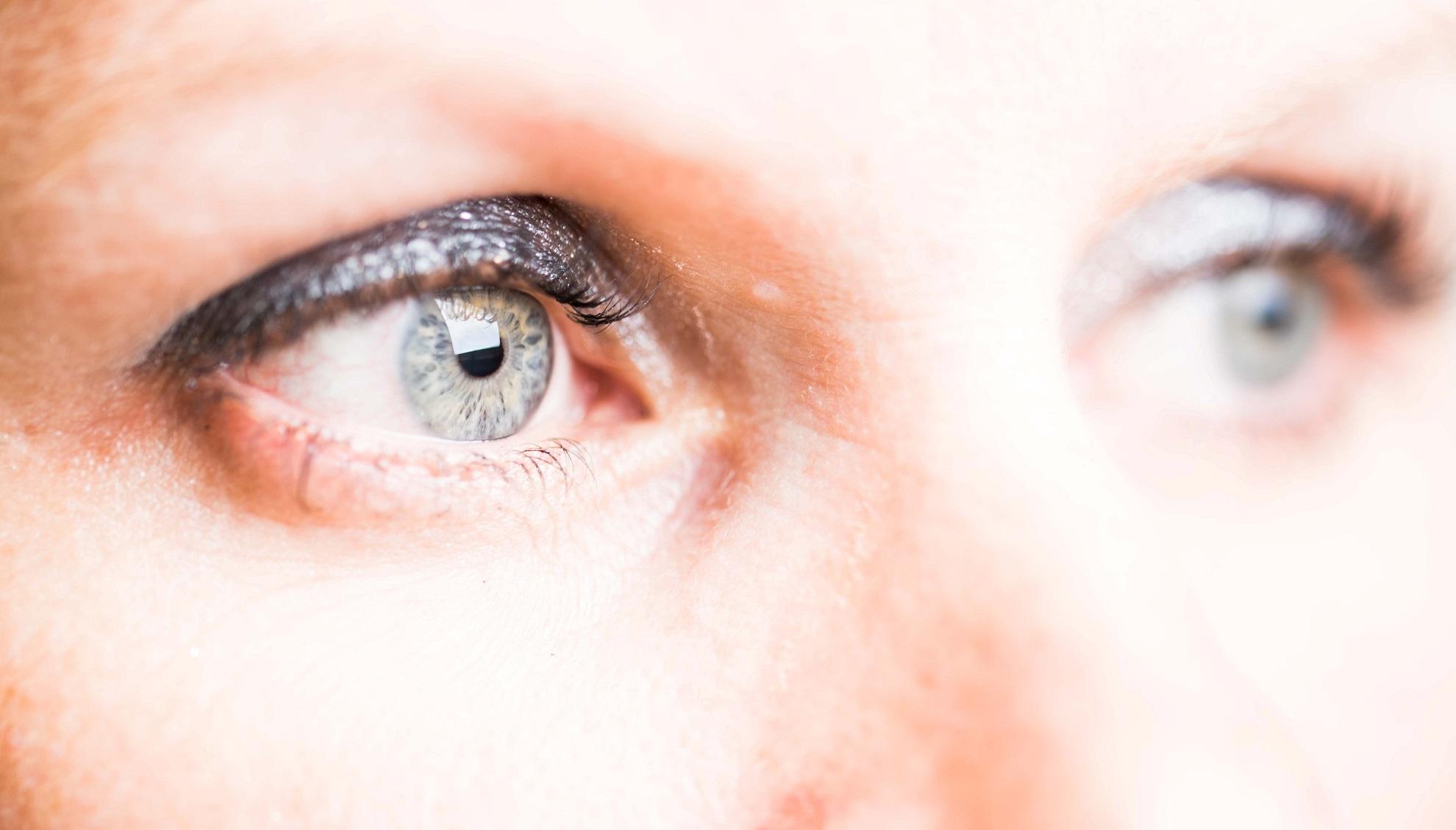 Kontaktlinsen-Augen