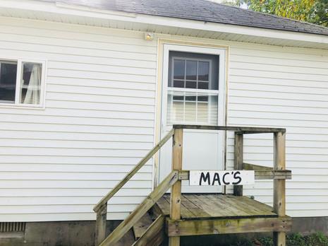 Macs Entrance