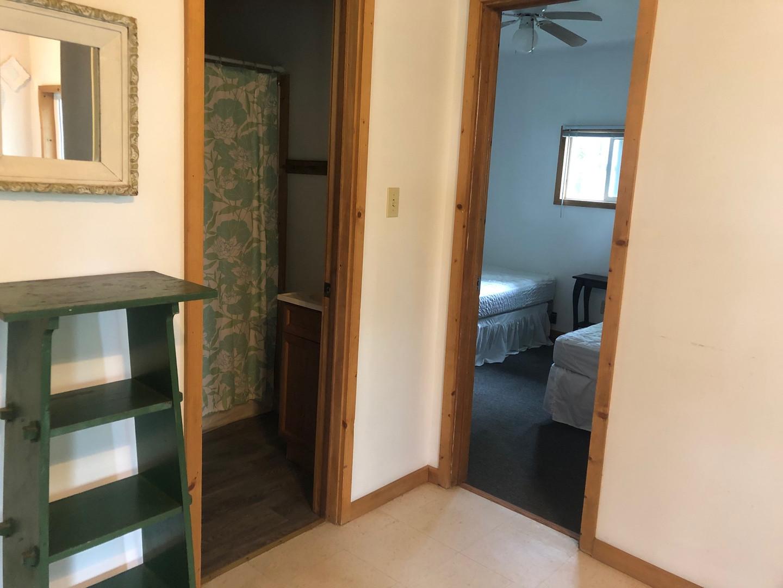 Bathroom & Twin Bedroom