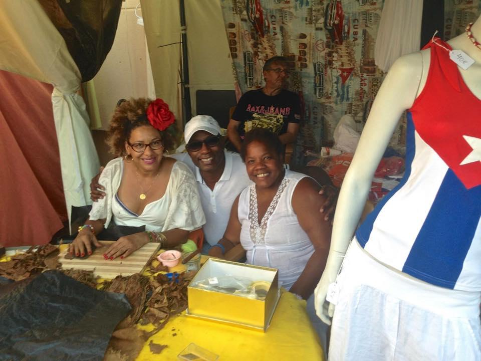 Сигарное шоу с кубинским мулатки (10)