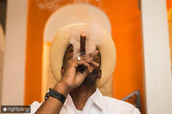 Сигарное шоу с музыкантов и танцоров (43)