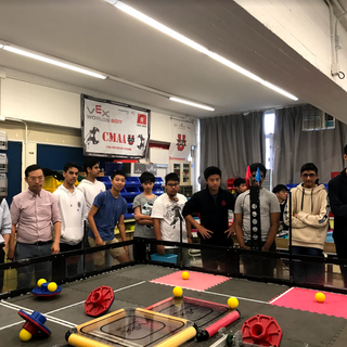The students of the Hong Kong International School visited CMAA's Research Room in exchange