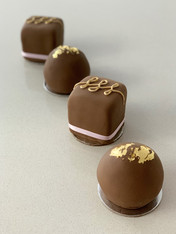 Bite-size Chocolate Mini Cakes by Roseberry Cake Creations